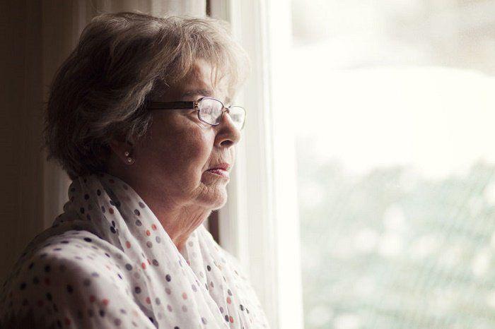 10 síntomas del alzheimer en etapas iniciales y prevención