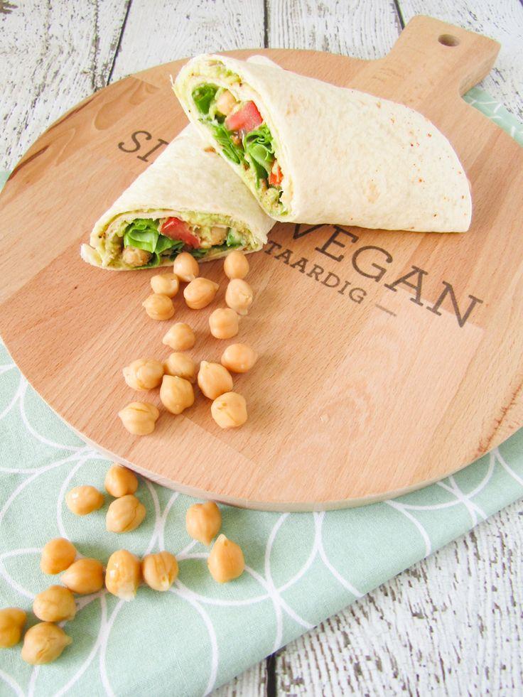 Vandaag laat ik jullie een van mijn favoriete lunchgerechten zien, makkelijke wraps. Super simpel en heel erg lekker en gezond!