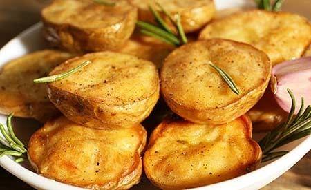 Kleine Rosmarinkartoffeln