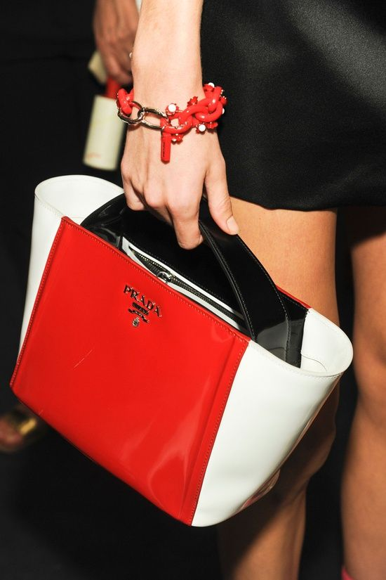 RED AND WHITE PRADA @yourbag.yourlife http://yourbagyourlife.com/