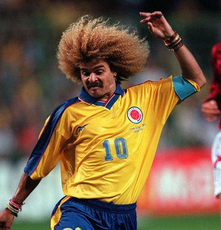 Un deporte en Colombia es fútbol