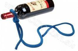 Originálny darček Laso – držiak na víno Modrý http://www.coolish.sk/sk/darceky-pre-vinarov/laso-drziak-na-vino-modry