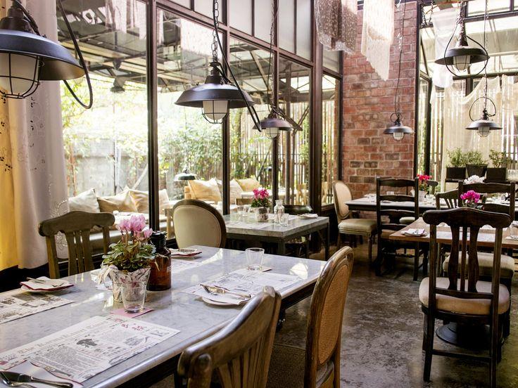 スクムビットの拠点とも言えるプロンポン駅でお洒落なカフェをお探しならこちら! 駅から徒歩3分、エンポリアムデパートの裏手にあるカフェレストラン「karmakamet Diner」をご紹介します。(2ページ目)