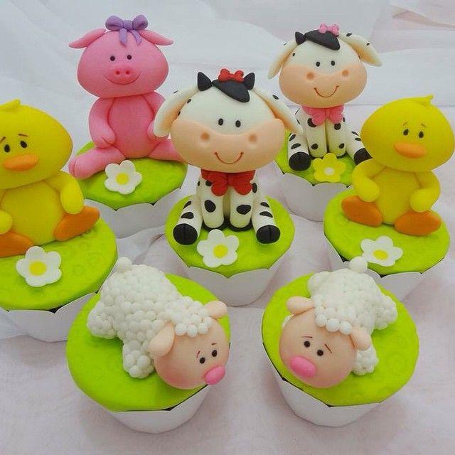 Fazendinha Cupcake. Feitos de pasta americana!