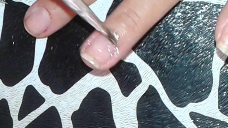 Como tirar uma cutícula bem fundinha com dicas