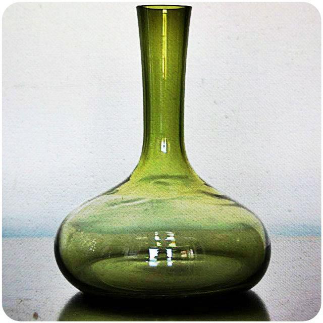 Botellón decorativo o florero Código Vi19 Alto 30 cm / Diámetro 25 cm $14.000