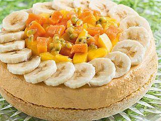 Tropical cheesecake alla papaya e mango: un tripudio di colori Attraente e gustosa, la frutta esotica è entrata a far parte a pieno titolo delle nostre abitudini alimentari. Con la ricetta della chees