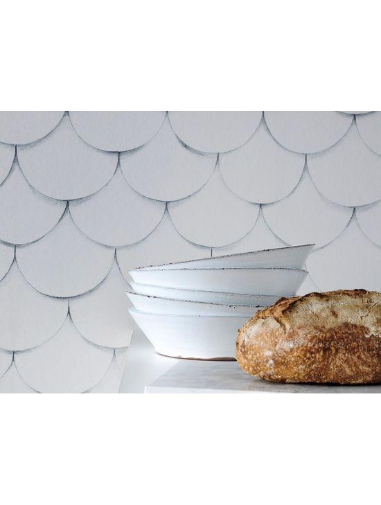 Engblad & Co:n Front-tapetissa on jujua. Se sopii mainiosti keittiön tehosteseinäksi.