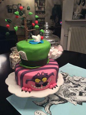 JOYEUX ANNIVERSAIRE   À MA GRANDE SŒUR           4 sponge cake au chocolat (ne pas mettre de vanille et ajouter 40g de cacao non su...