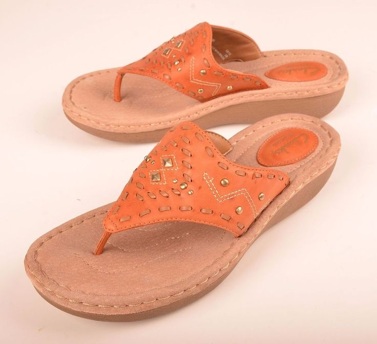 Clarks Artisan Womens Sandals Thong T Strap Studded Brown Leather #63804 Sz 8 M #Clarks #TStrap #Casual