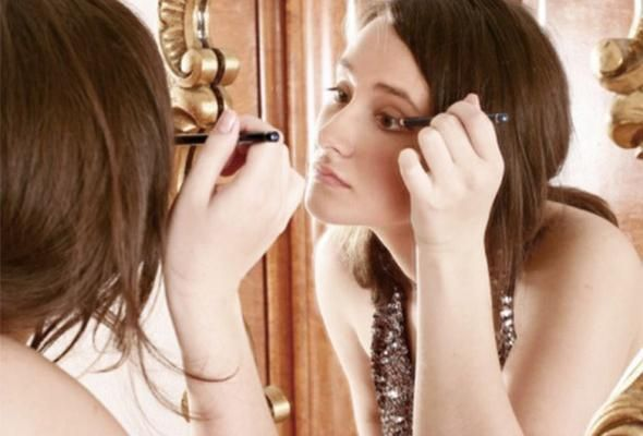 Cinq maquillages festifs
