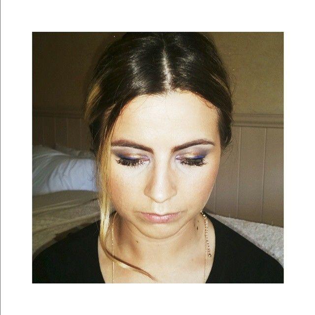 """E L E C T R I C ♢ B L U E  #magnetic #makeup #artist #beauty #lashes #mua #hair #babe"" makr up by @ashleadysonstyling"