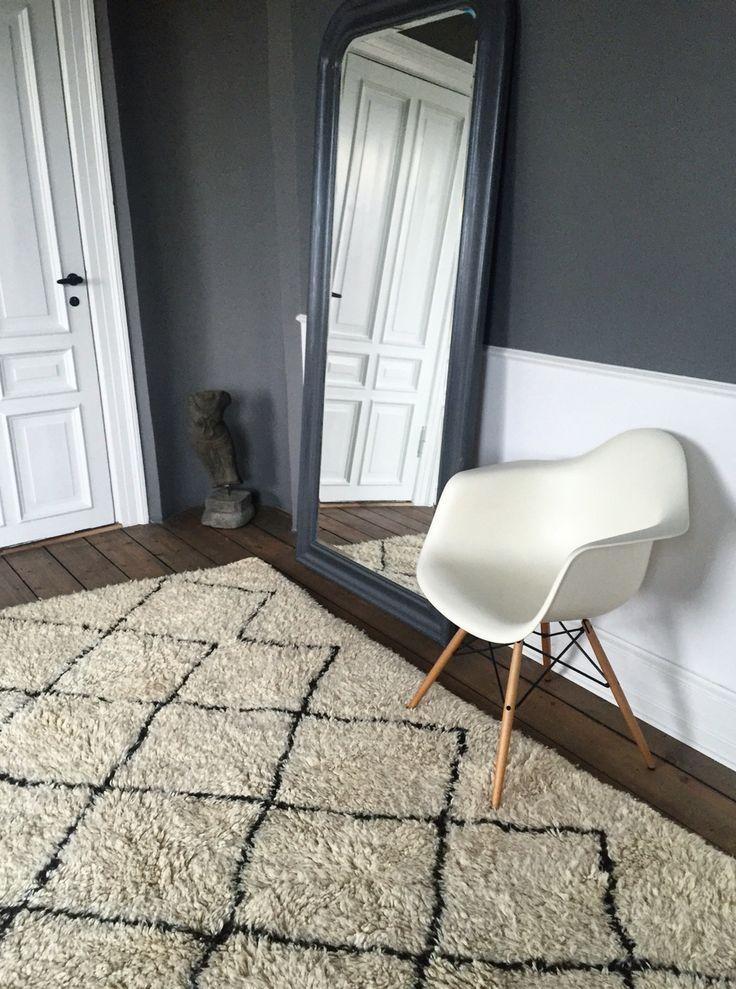 Beni Ouarain for sale | 290 x 190 cm. | 7.500 DKK | www.marokkoindretning.dk  Interior decór Scandinavian home style bedroom bathroom living rug indretning tæppe beni ouarain