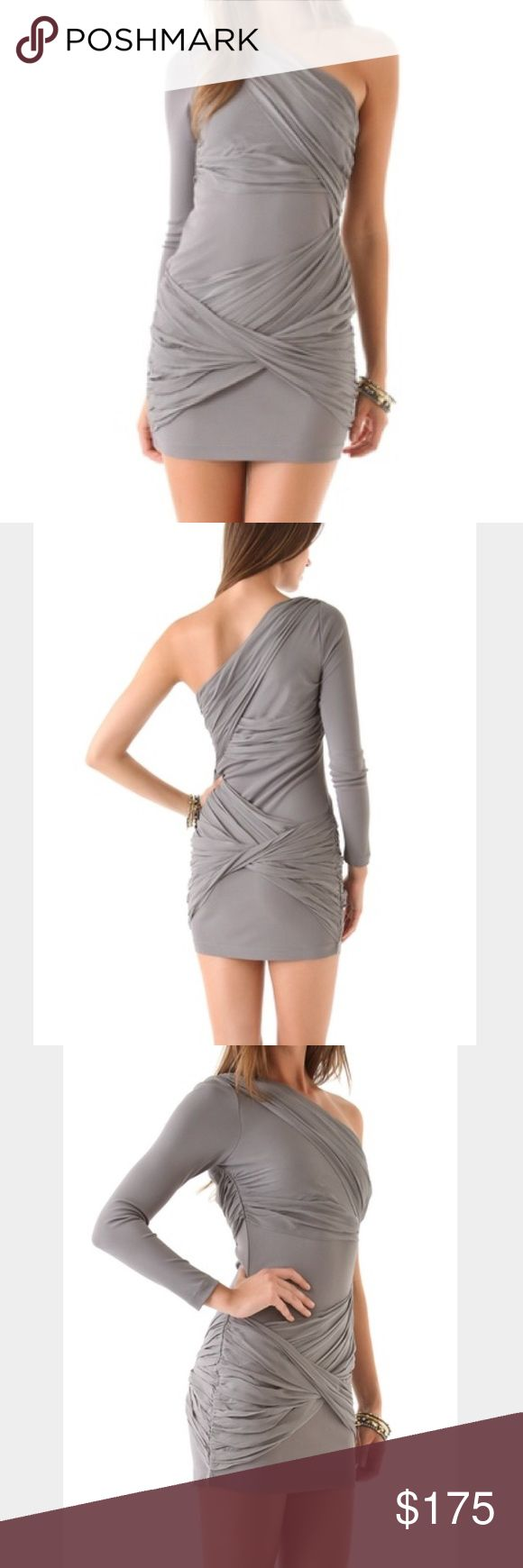 💗sale💗Alice and Olivia, NEW grey mini dress! Alice and Olivia, NEW with tags grey mini dress! Perfect for any occasion and season. I also have this in green strapless. Alice + Olivia Dresses Mini