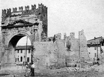 Arco di Augusto nei primi anni '20, Rimini  www.hotelpolo.it