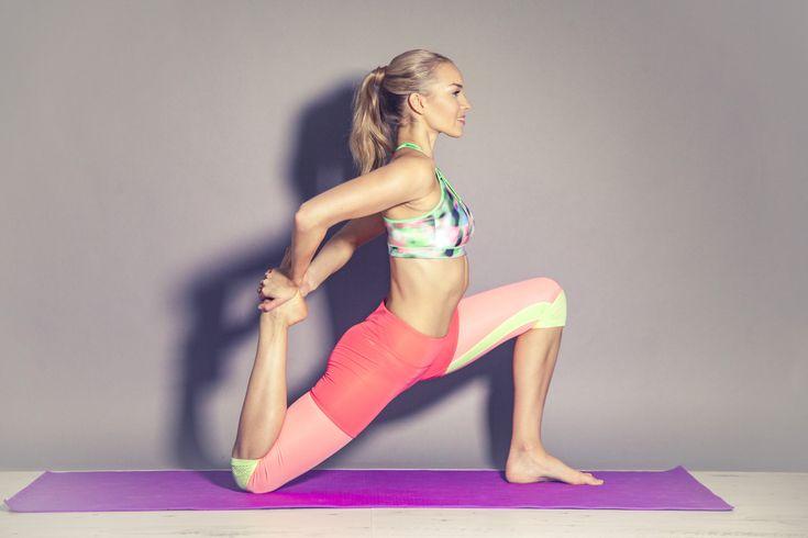 Flexible legs stretching by Vilma P.