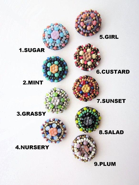 no.8 SALAD レタスとオリーブのサラダの色ビーズ刺繍でできたサークルモチーフのヘアゴム。チェコビーズのお花を中心において、小さなサイズのヘアゴムを作り...|ハンドメイド、手作り、手仕事品の通販・販売・購入ならCreema。