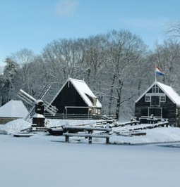 Scheepswerf in de winter