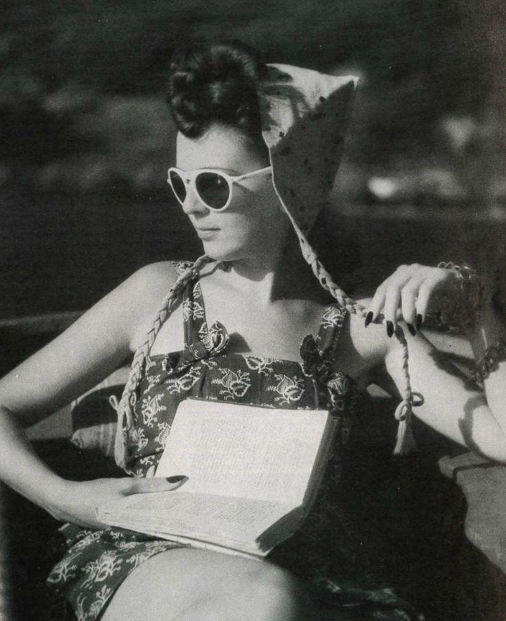 Jacques Henri Lartigue - Florette,Lac d' Annecy,1943.