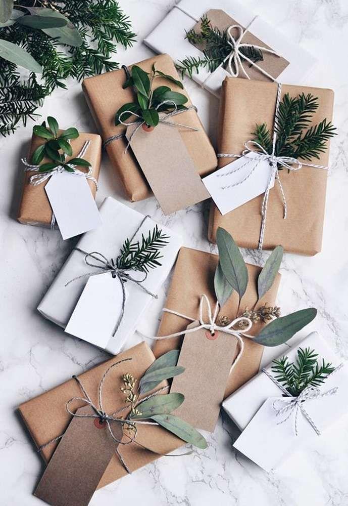paquets cadeaux en papier kraft, papier cadeau original DIY
