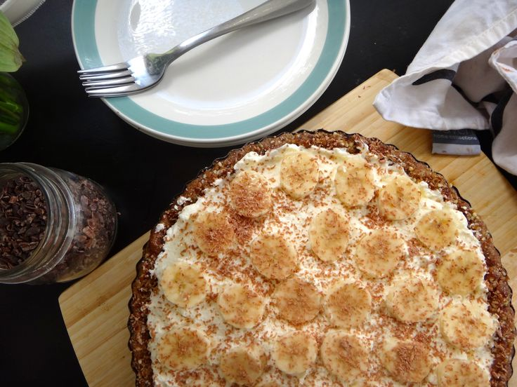 Banoffee Pie   I   Julia and Libby Blog   I   Guilt free desert   I   Gluten, dairy and sugar free!!