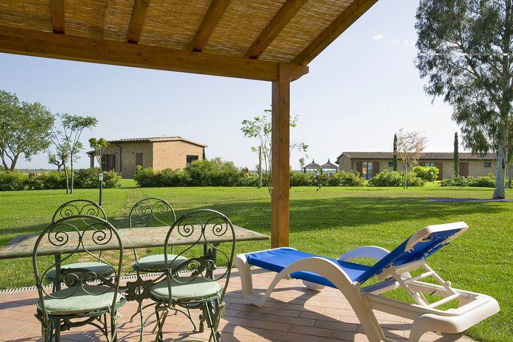 Vista da uno degli appartamenti dei 20 ettari in cui l'agriturismo è immerso.  Nel cuore della Maremma Toscana, tra la costa di Marina di Grosseto e il Mare di Castiglione della Pescaia.