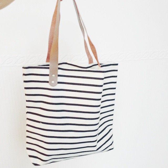 #stripes #bag #handbad #housedoctor masalladelrosaoazul.com