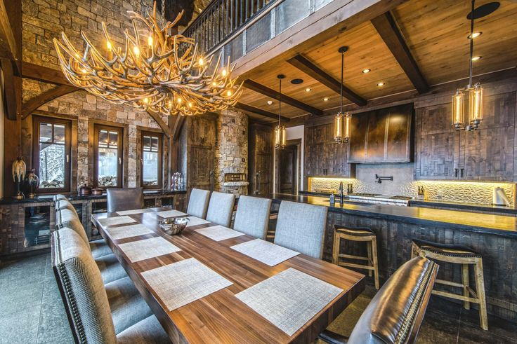 Article: #Skiing #Revelstoke Mountain Resort and living the laps of luxury at the Bison Lodge.