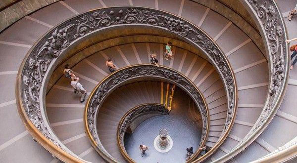 Italië kent niet alleen veel schitterende bezienswaardigheden in de openlucht, van gezellige pleinen...