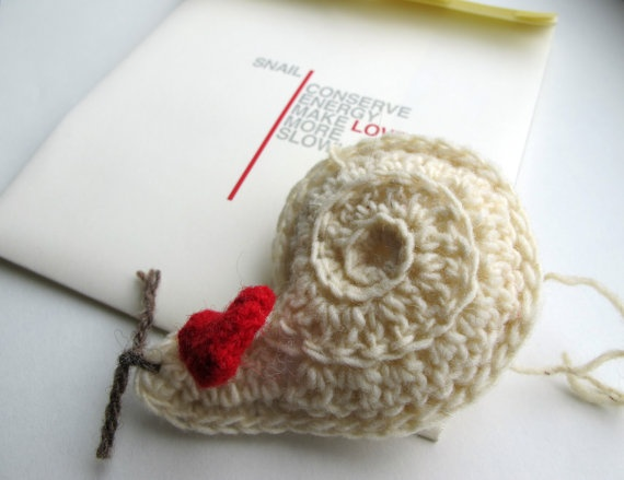 Keychain the Snail Makes Love More Slowly by yorokobiness on Etsy, €18.00