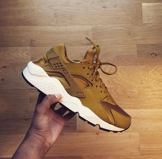 Nike Huarache Damen Gold