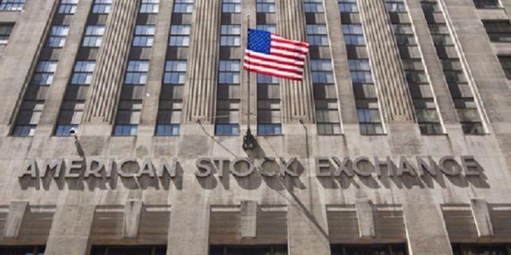 """Bursa saham Amerika Serikat (AS) di Wall Street ditutup bervariasi   PT Solid Gold Berjangka Cabang Jakarta """"Fed mencoba memberikan fleksibilitas maksimum untuk bergerak tetapi pasar menginginkan kenaikan di Maret,"""" lanjut dia. Pada Rabu, indeks S&P ditutup turun 2,56 poin atau turun 0,11 poin ke..."""