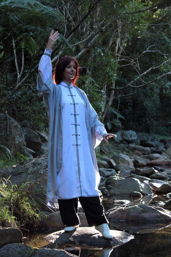 Beautiful women's silk Tai Chi clothing. This outfit will be available soon from Tai Chi Tranquility. Beautiful Tai Chi Amanda Heidke, very graceful, we had a lovely couple of days in the mountains doing Tai Chi.