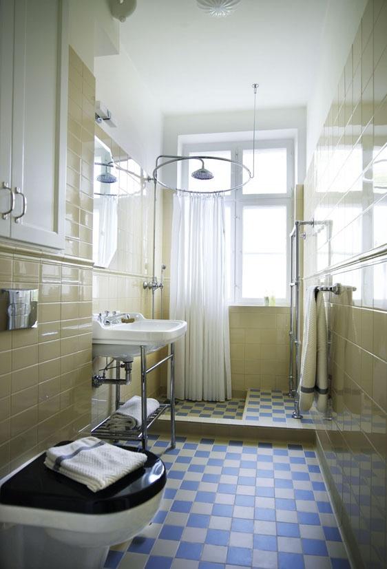 Towel warmer: De Bains, Bathroom Makeovers, 25 Badeværelser, Bathroom Diy, Små Badeværelser, Towel Warmer