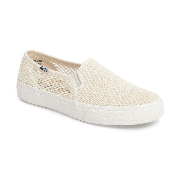 Women's Keds Double Decker Crochet Slip-On Sneaker (180 BRL) ❤ liked on Polyvore featuring shoes, sneakers, cream, pull-on sneakers, slip on shoes, crochet shoes, slip-on shoes and slip on trainers