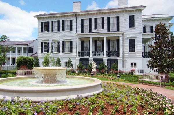 9 best favorite places spaces images on pinterest for Plantation columns