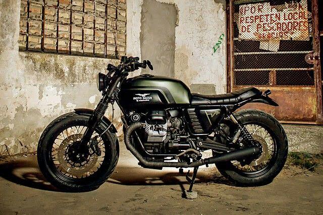 Moto Bizzi V7 scrambler
