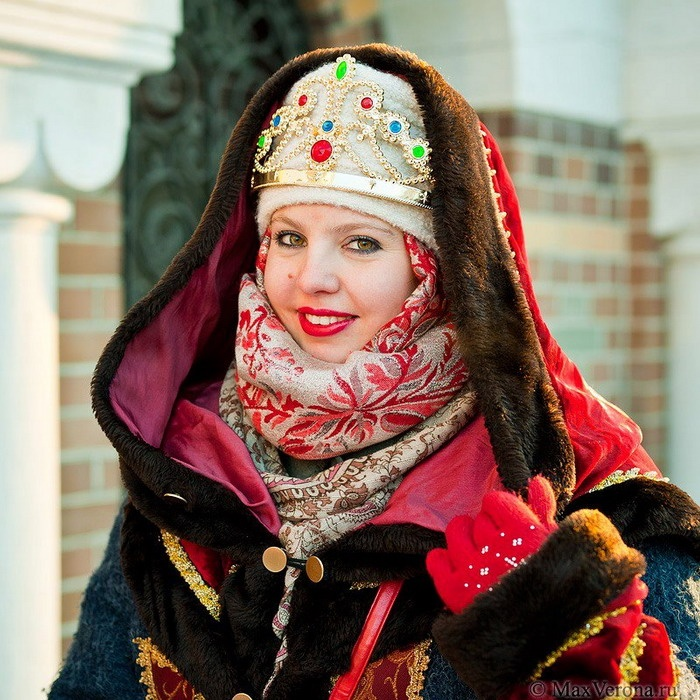 Woman In Traditional Russian 7