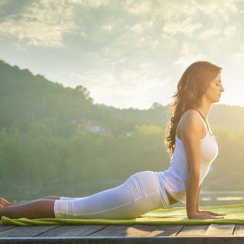 Saudação ao sol: saiba mais sobre essa posição da ioga