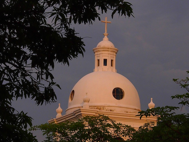 #Colombiaenmadrid Cúpula de la Catedral de Santa Marta Colombia P5312769 by Vagamundos.net/Carlos Olmo, via Flickr