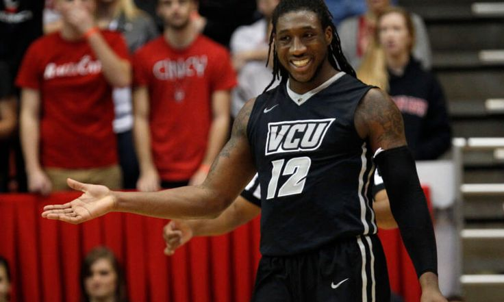Report: Chiefs to meet with three college basketball players = The Kansas City Chiefs are taking a unique route to find talented players within the 2017 NFL Draft pool. According to the Kansas City Star, the franchise is slated to bring in three college basketball players  – VCU's Mo Alie-Cox, Kansas State's D.J. Johnson and Texas Wesleyan's Najeal Young – for pre-draft visits. Though teams are allotted 30 pre-draft visits, the visits…..
