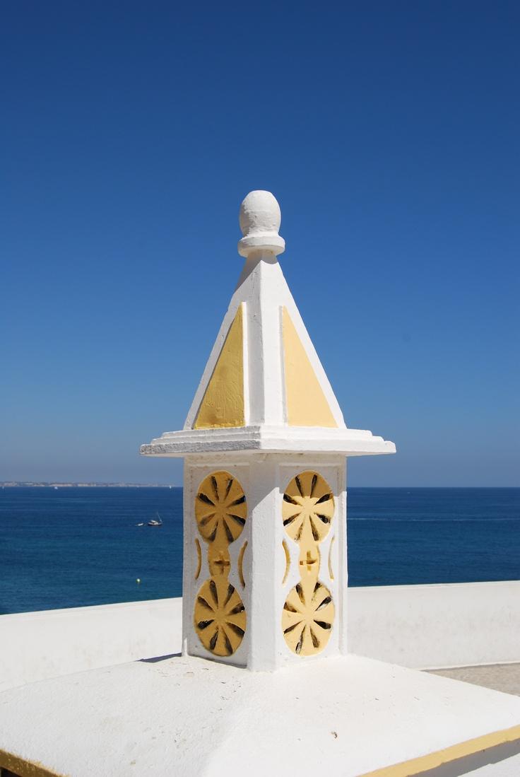Chaminé algures numa casa do Algarve - Portugal