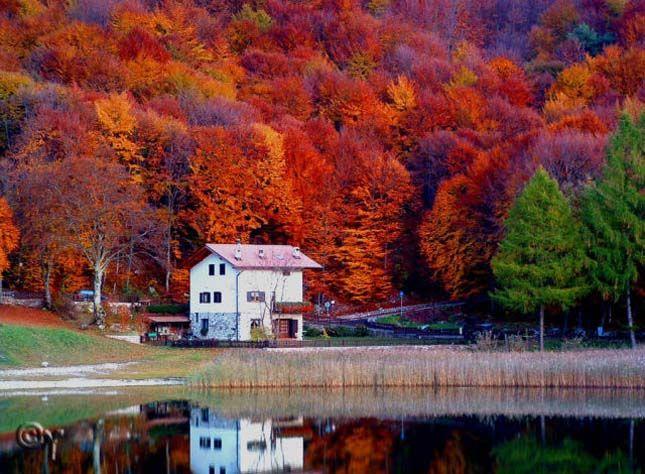 Őszi tájkép Észak-Olaszország