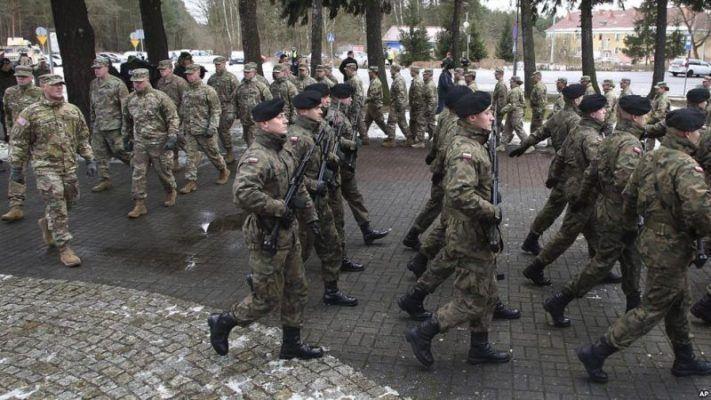 Amerikan askerleri NATO operasyonu için Polonya'da