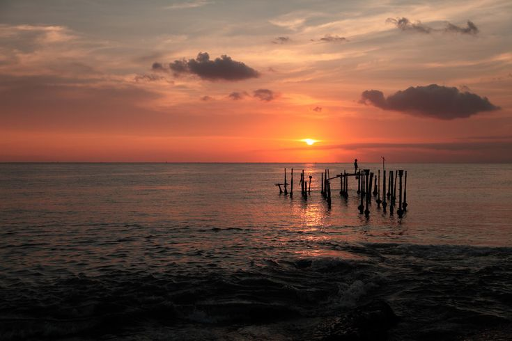Pantai Ampenan Nuansa Kota Tua yang Indah di Nusa Tenggara Barat - Nusa Tenggara Barat