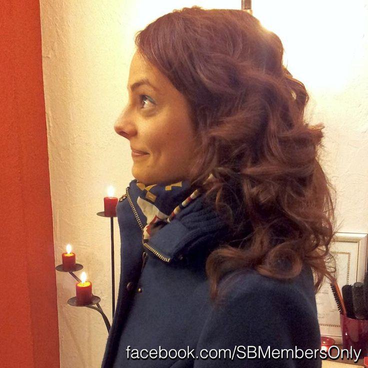Női frizura, hullámok, meleg barna haj.  www.facebook.com/SBMembersOnly