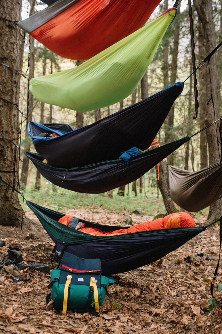 topo-designs:  Pancakes and hammocks. Both better in tall stacks.Photo by Greg Balkin