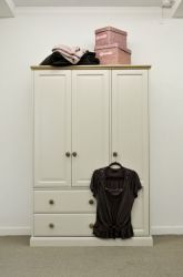 Intone Triple Gents Wardrobe with 2 Drawers http://solidwoodfurniture.co/product-details-pine-furnitures-794-intone-triple-gents-wardrobe-with-drawers.html