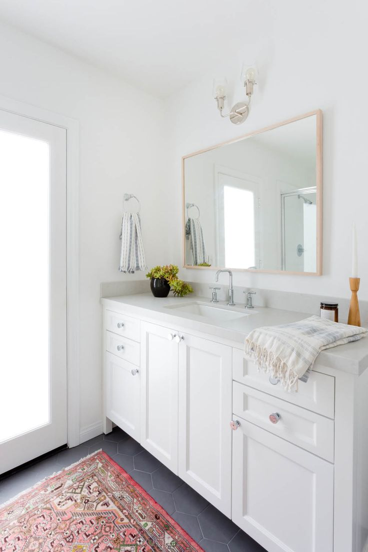 Best 25 Cape Cod Bathroom Ideas On Pinterest Double