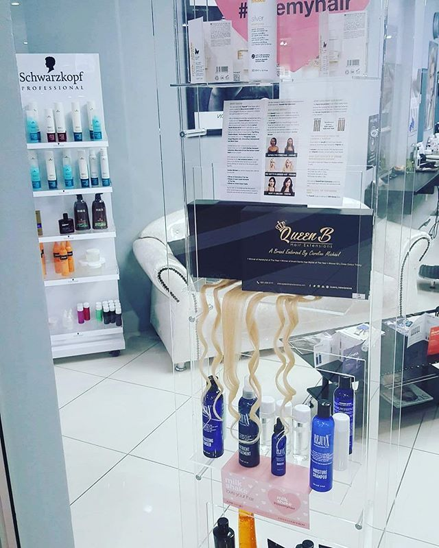 Dear Divas, living in and around the Amanzimtoti area? I Am Studio is now an official stockist of QueenB Hair Extensions. Situated in…